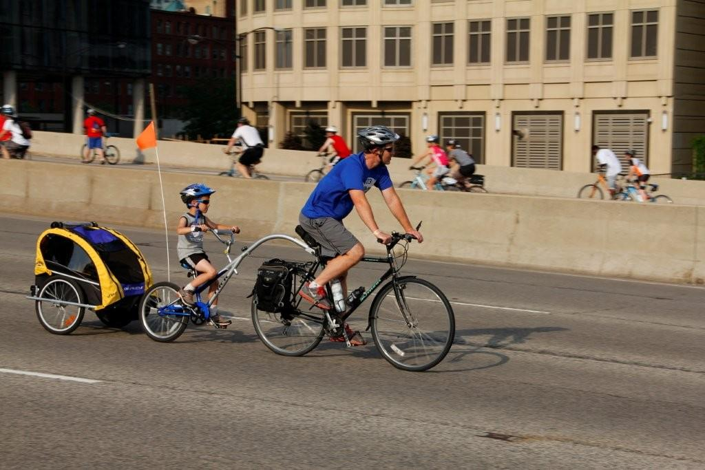 Bike The Drive, Chicago Skyline Photos after northern ...